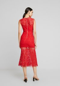 Love Triangle - THE TANGO MIDAXI DRESS - Occasion wear - red - 2
