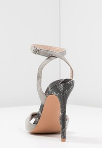 Lost Ink Wide Fit - WIDE FIT TABIA BARELY THERE SWEATHEART - Sandales à talons hauts - grey - 5
