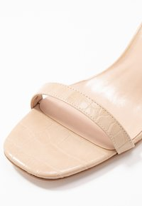 Lost Ink Wide Fit - BLOCK HEEL BARELY THERE - Sandals - cream - 2