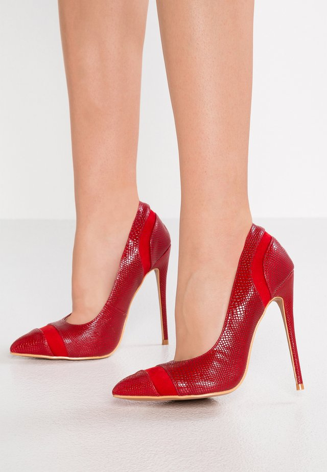 WIDE FIT COURT - High Heel Pumps - red