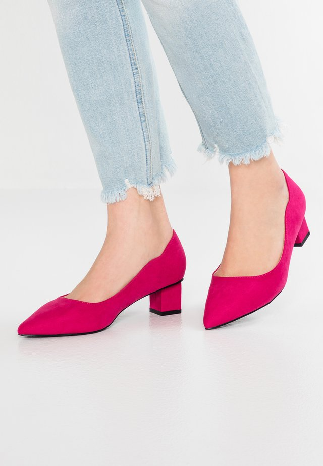 WIDE FIT JILL KITTEN COURTBLOCK HEEL - Pumps - fuchsia