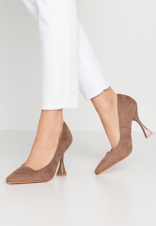 WIDE FIT INTEREST COURT - High heels - taupe