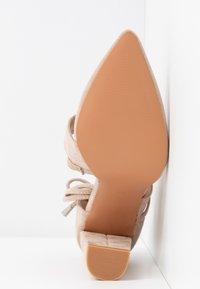 Lost Ink Wide Fit - BOW DETAIL BLOCK SHOE - Decolleté - beige - 2