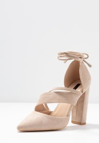 Lost Ink Wide Fit - BOW DETAIL BLOCK SHOE - Decolleté - beige - 4