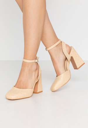 SQUARE TOE STRAP SHOE - Escarpins à talons hauts - cream