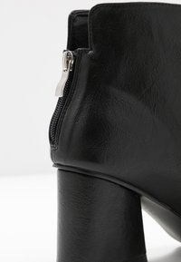 Lost Ink Wide Fit - WIDE FIT POINTED ANGUALR HEEL - Ankle boots - black - 2