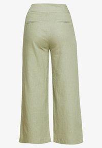 Lost Ink Petite - TIE WAIST WIDE LEG TROUSER - Kalhoty - light green - 1