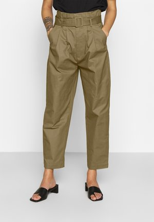 BELTED PLEAT WAIST PEG TROUSER - Trousers - khaki
