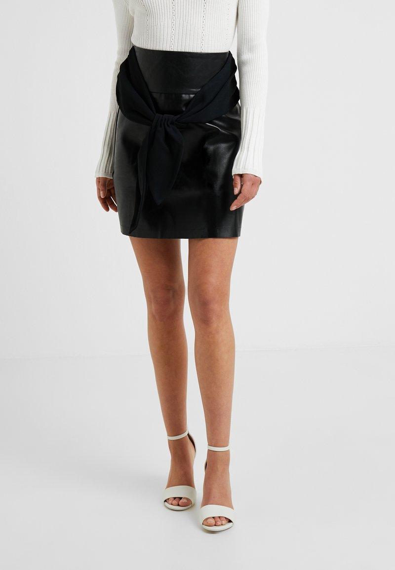 Lost Ink Petite - TIE WAIST - Mini skirt - black