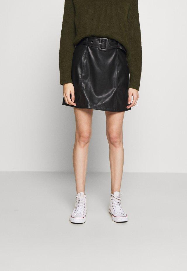 BELTED MINI SKIRT - Áčková sukně - black