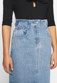 Lost Ink Petite - ELASTIC BAG WAIST MIDI SKIRT - A-line skjørt - blue denim - 3