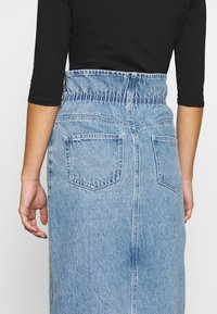 Lost Ink Petite - ELASTIC BAG WAIST MIDI SKIRT - A-line skjørt - blue denim - 5