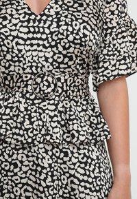 Lost Ink Petite - PRINTED DRESS WITH BELT - Maksimekko - multi-coloured - 4