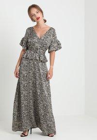 Lost Ink Petite - PRINTED DRESS WITH BELT - Maksimekko - multi-coloured - 1