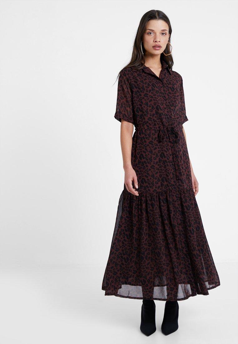 Lost Ink Petite - Shirt dress − brown