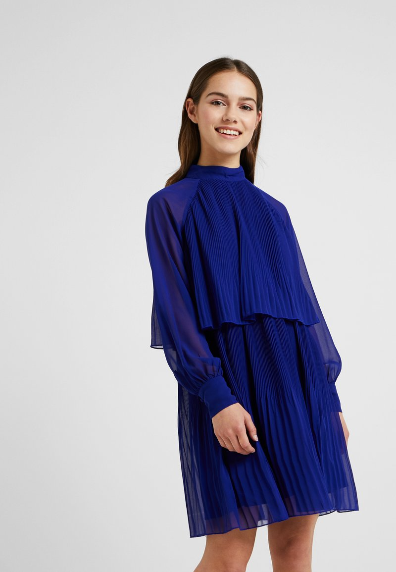 Lost Ink Petite - PLEATED LAYER DRESS - Day dress - cobalt blue