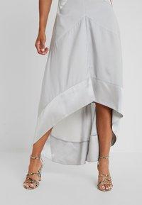Lost Ink Petite - HALTER NECK DRESS - Robe de cocktail - light grey - 4