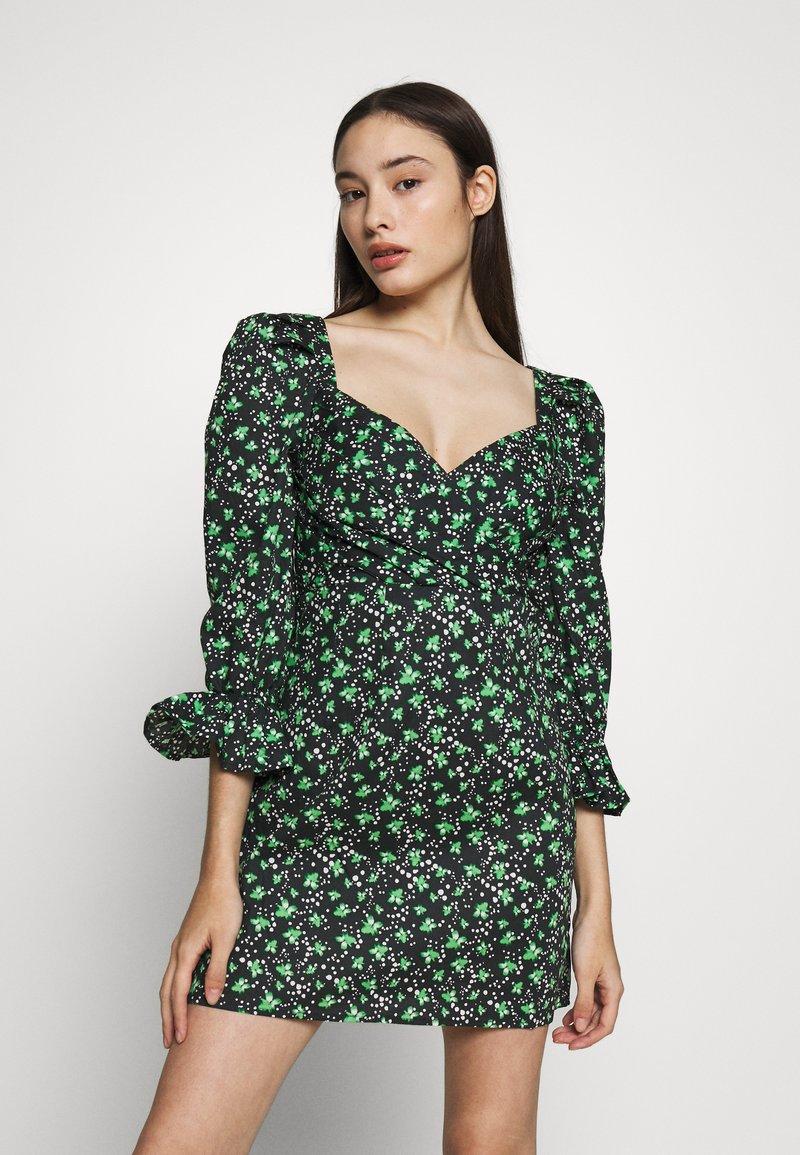 Lost Ink Petite - PLEATED MINI DRESS - Denní šaty - multi