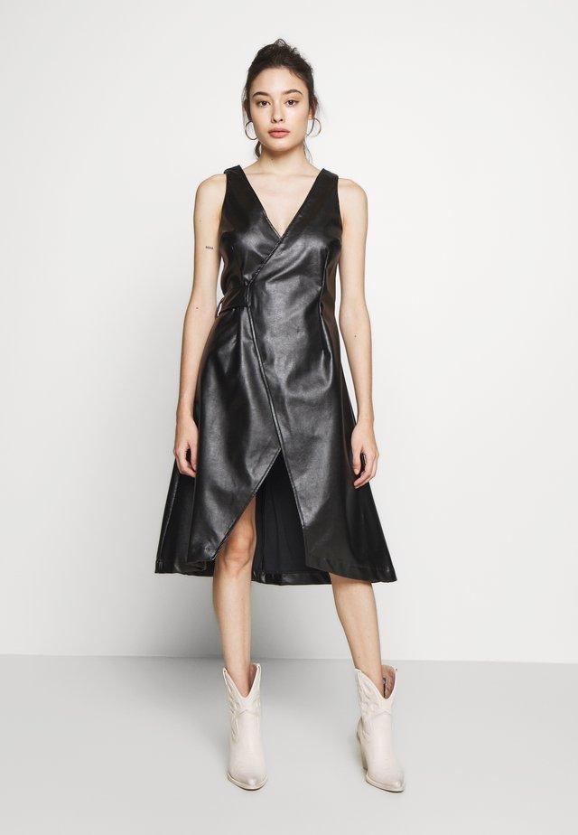 WRAP DRESS - Denní šaty - black
