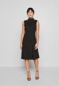 Lost Ink Petite - SLEEVELESS FISHTAIL BODYCON DRESS - Vestido ligero - black - 0