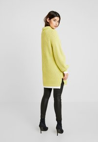 Lost Ink Petite - TIPPED JUMPER - Neule - lime - 2