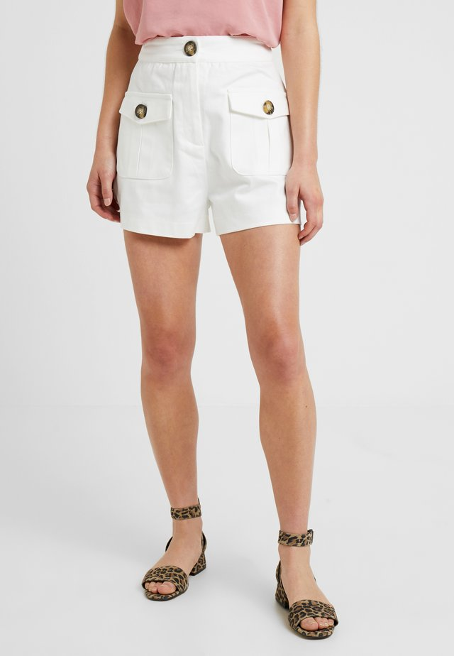 WITH FRONT POCKETS - Jeans Shorts - white