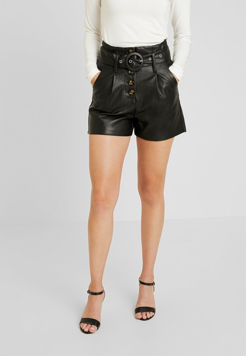 Lost Ink Petite - WITH BUTTON FRONT - Shortsit - black