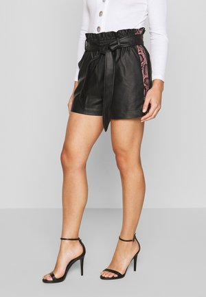 SNAKE SIDE STRIPE SHORT - Kraťasy - black