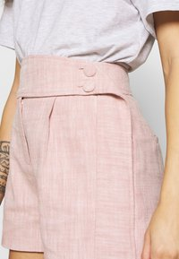 Lost Ink Petite - BUTTON WAISTBAND DETAIL - Shorts - pink - 5