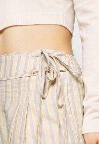 Lost Ink Petite - Shorts - multi - 4