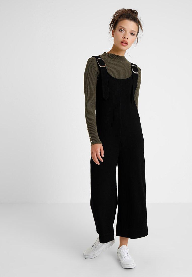 Lost Ink Petite - BUCKLE STRAP - Jumpsuit - black