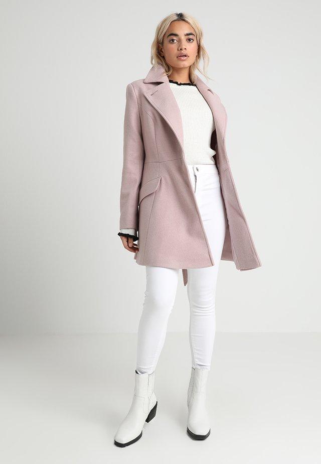 EYELET FRONT SKIRTED COAT - Kurzmantel - pink