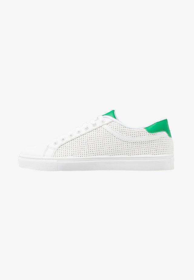 AERO SHOE - Sneaker low - white green