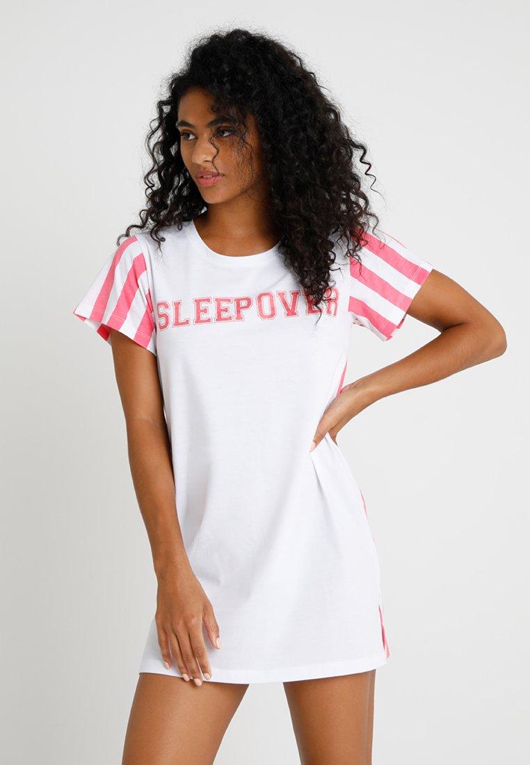 Loungeable - SLEEPOVER NIGHT SHIRT - Chemise de nuit / Nuisette - white