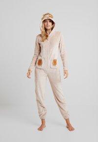 Loungeable - SLOTH ONESIE - Pyjama - beige - 1