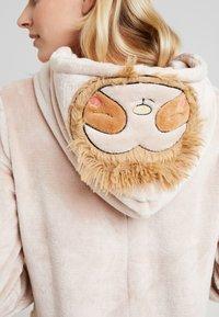 Loungeable - SLOTH ONESIE - Pyjama - beige - 3
