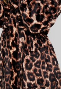 Loungeable - LEOPARD ROBE - Dressing gown - multi - 5