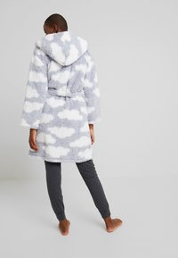 Loungeable - CHUNKY SHERPA CLOUD ROBE - Dressing gown - blue/white - 2