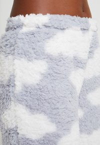 Loungeable - CHUNKY SHERPA CLOUD SET - Pigiama - silver - 5