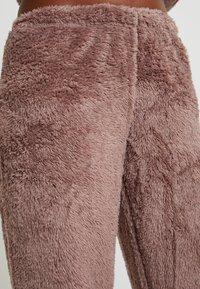 Loungeable - 3D REINDEER SHERPA SET - Pyjama - brown - 6
