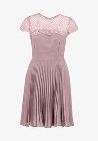 Lipstick boutique - TALITHA - Koktejlové šaty/ šaty na párty - lilac - 5