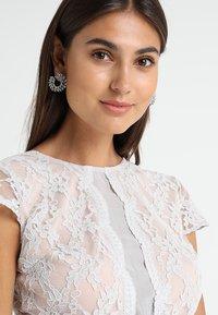 Lipstick boutique - CAMINA - Koktejlové šaty/ šaty na párty - grey - 4