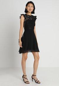 Lipstick boutique - KILA - Koktejlové šaty/ šaty na párty - black - 2