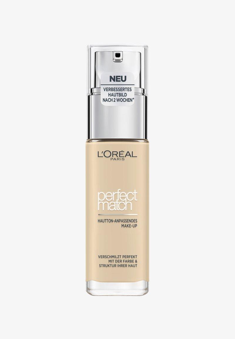 L'Oréal Paris - PERFECT MATCH MAKE-UP - Podkład - 1w golden ivory