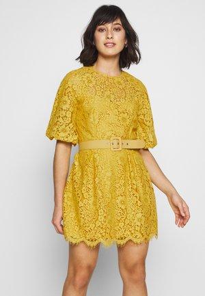 Vestido de cóctel - yellow