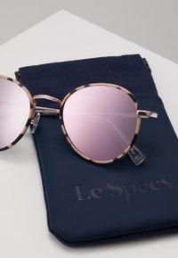 Le Specs - ZEPHYR DELUXE - Occhiali da sole - mist tort - 3