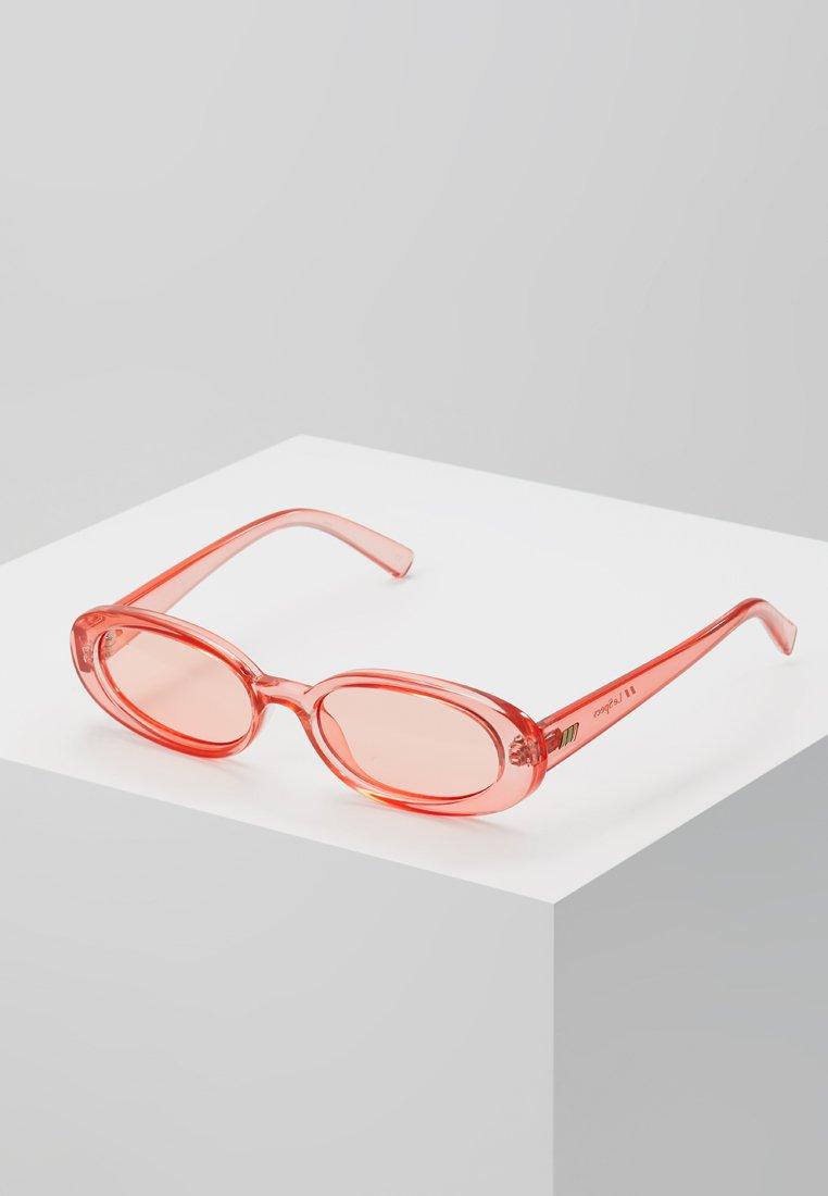 Le Specs - OUTTA LOVE - Lunettes de soleil - coral