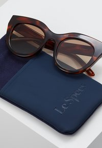 Le Specs - AIR HEART - Sunglasses - toffee tortoise - 2