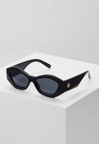 Le Specs - THE GINCHIEST - Solglasögon - black - 0