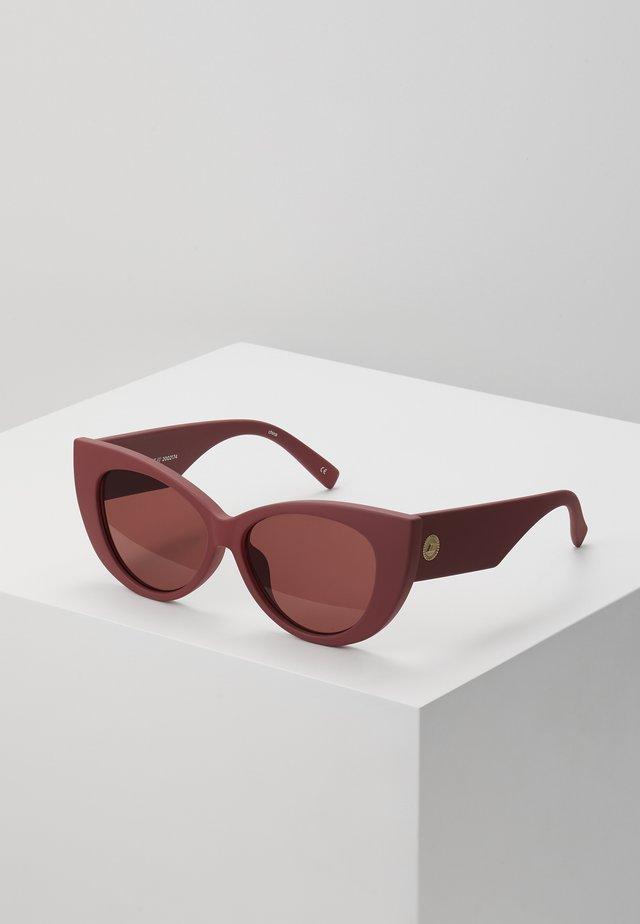FELINE FINE - Okulary przeciwsłoneczne - matte rust